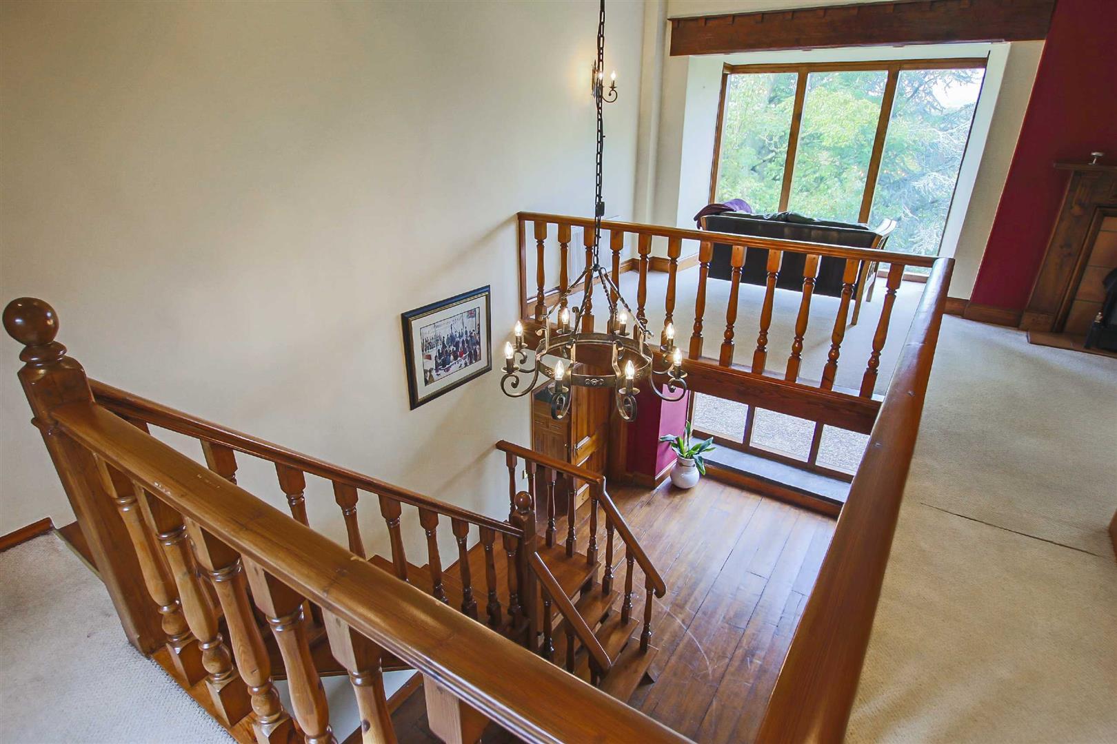 5 Bedroom Barn Conversion For Sale - p026519_14.jpg